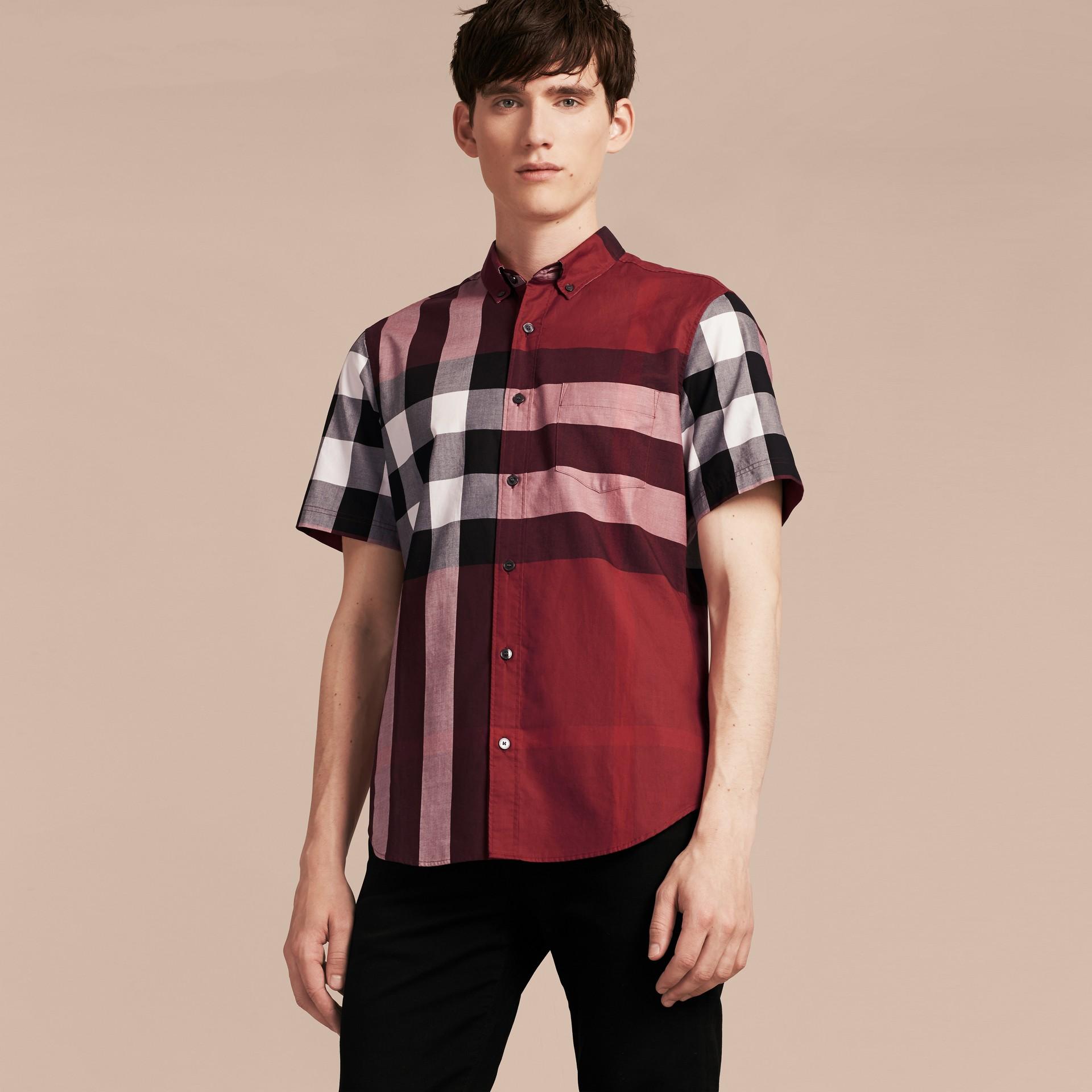 Rojo baya Camisa de manga corta en algodón con estampado de checks Rojo Baya - imagen de la galería 6