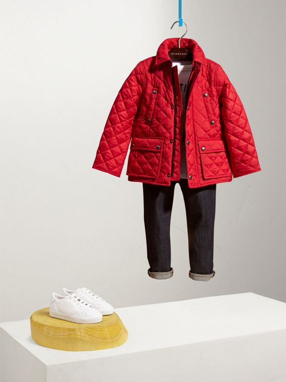 Detachable Hood Lightweight Quilted Jacket in Bright Cherry Red