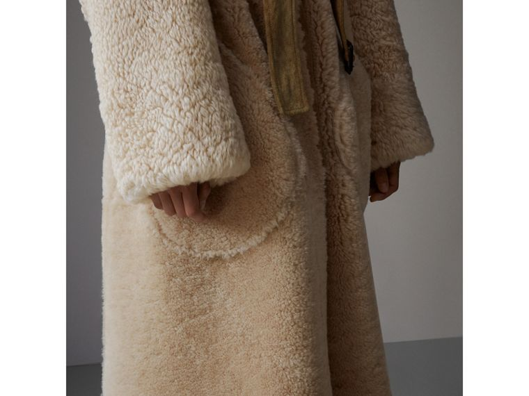 Shearling Oversized Belted Coat in Camel/off White - Women | Burberry - cell image 4