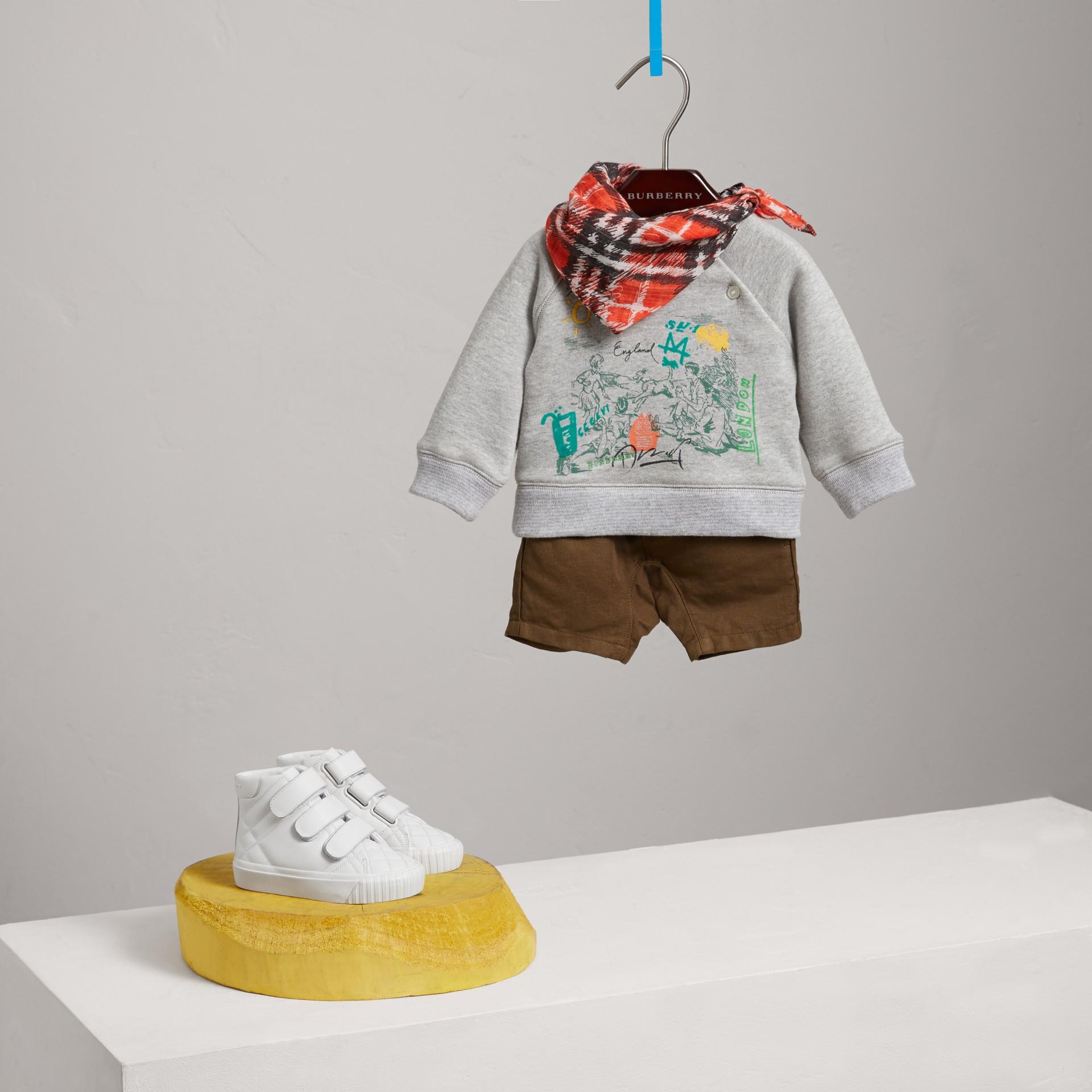 Felpa in jersey di cotone con motivo avventura (Grigio Mélange) - Bambino | Burberry - immagine della galleria 2