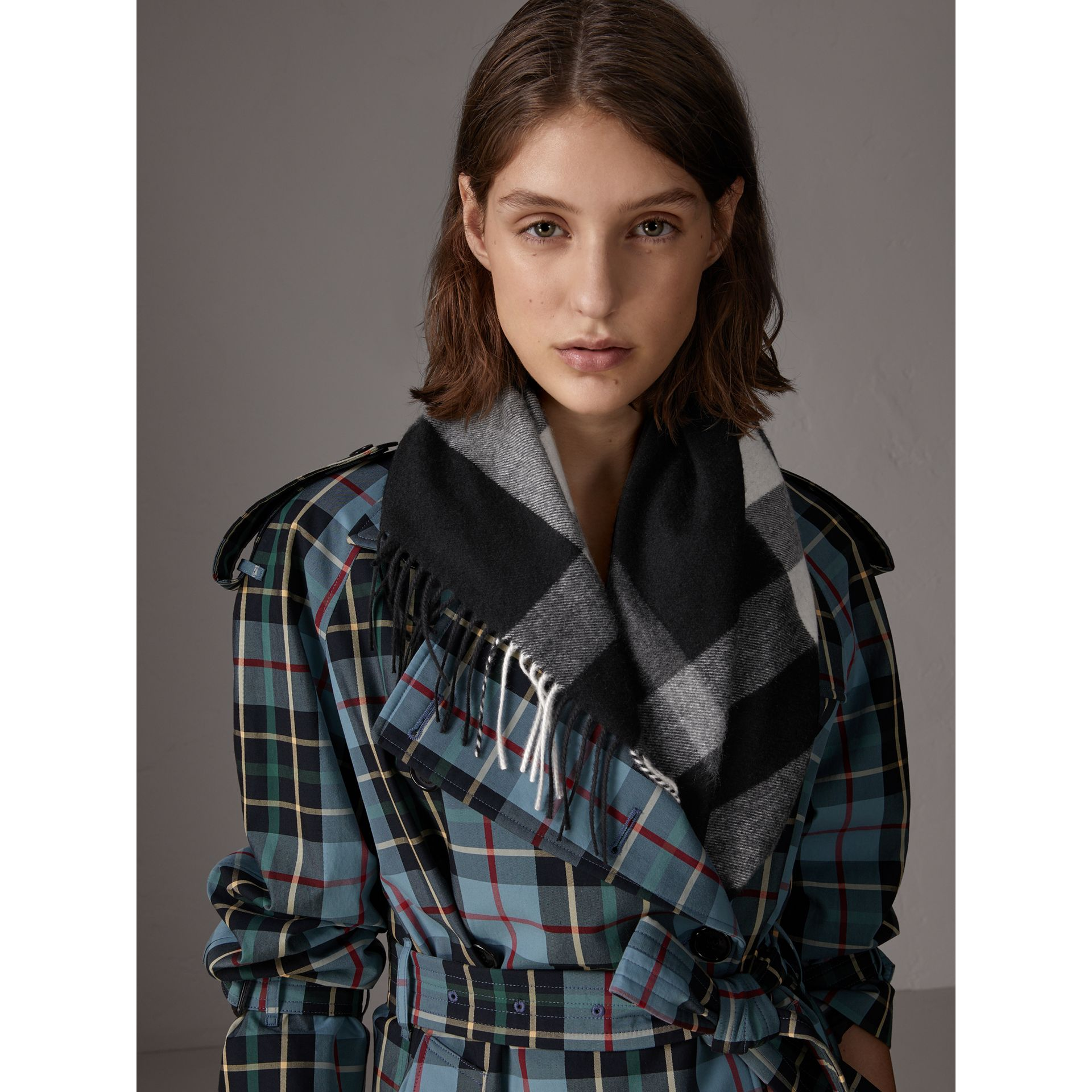 The Burberry Bandana in Check Cashmere in Black | Burberry United Kingdom - gallery image 5