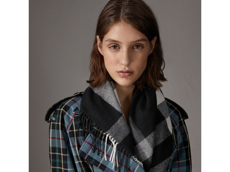 The Burberry Bandana in Check Cashmere in Black | Burberry Australia - cell image 4