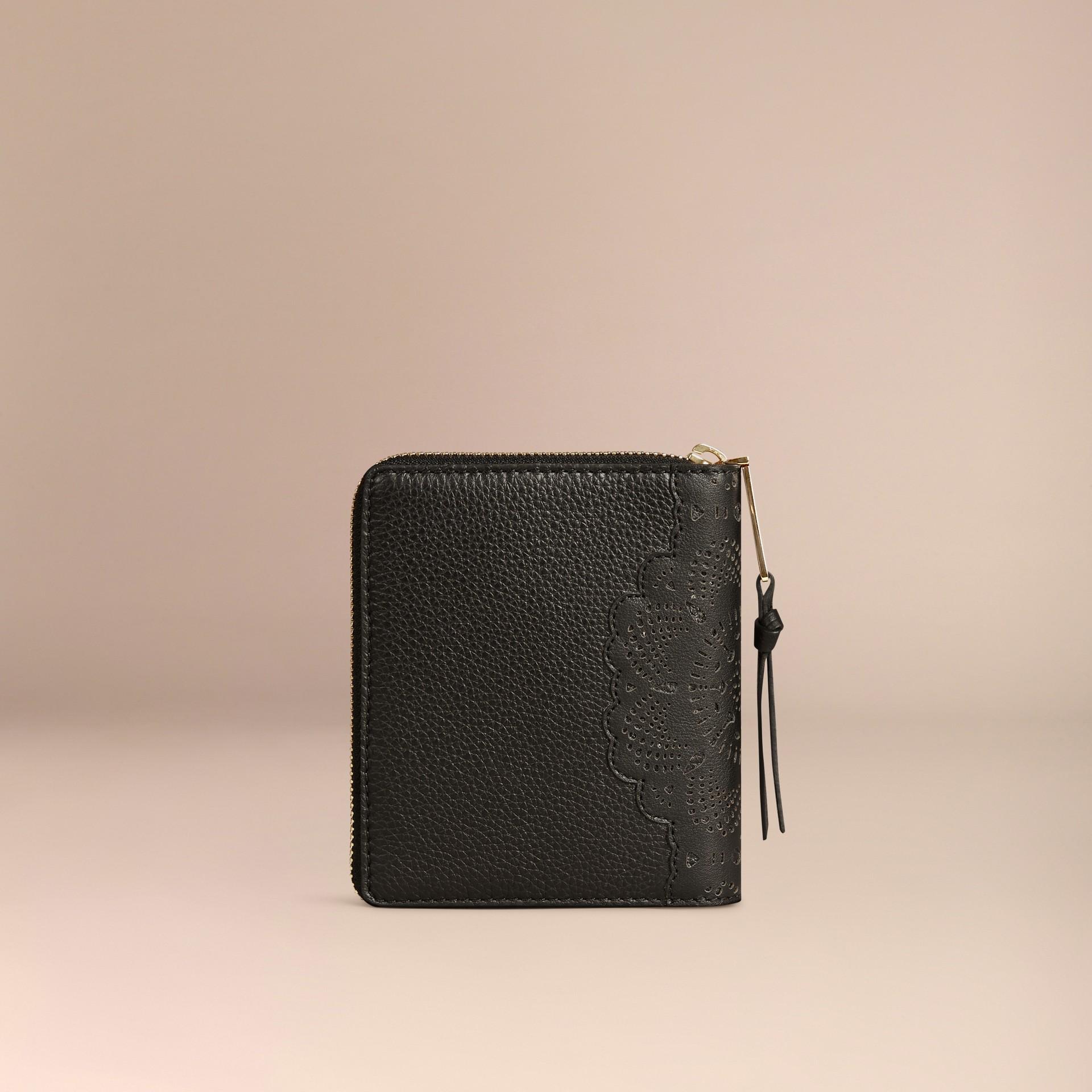 Noir Petit calepin zippé en dentelle de cuir découpée au laser - photo de la galerie 4