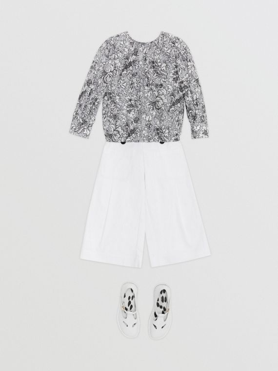 Bluse aus Baumwollseide mit floralem Muster (Grau)