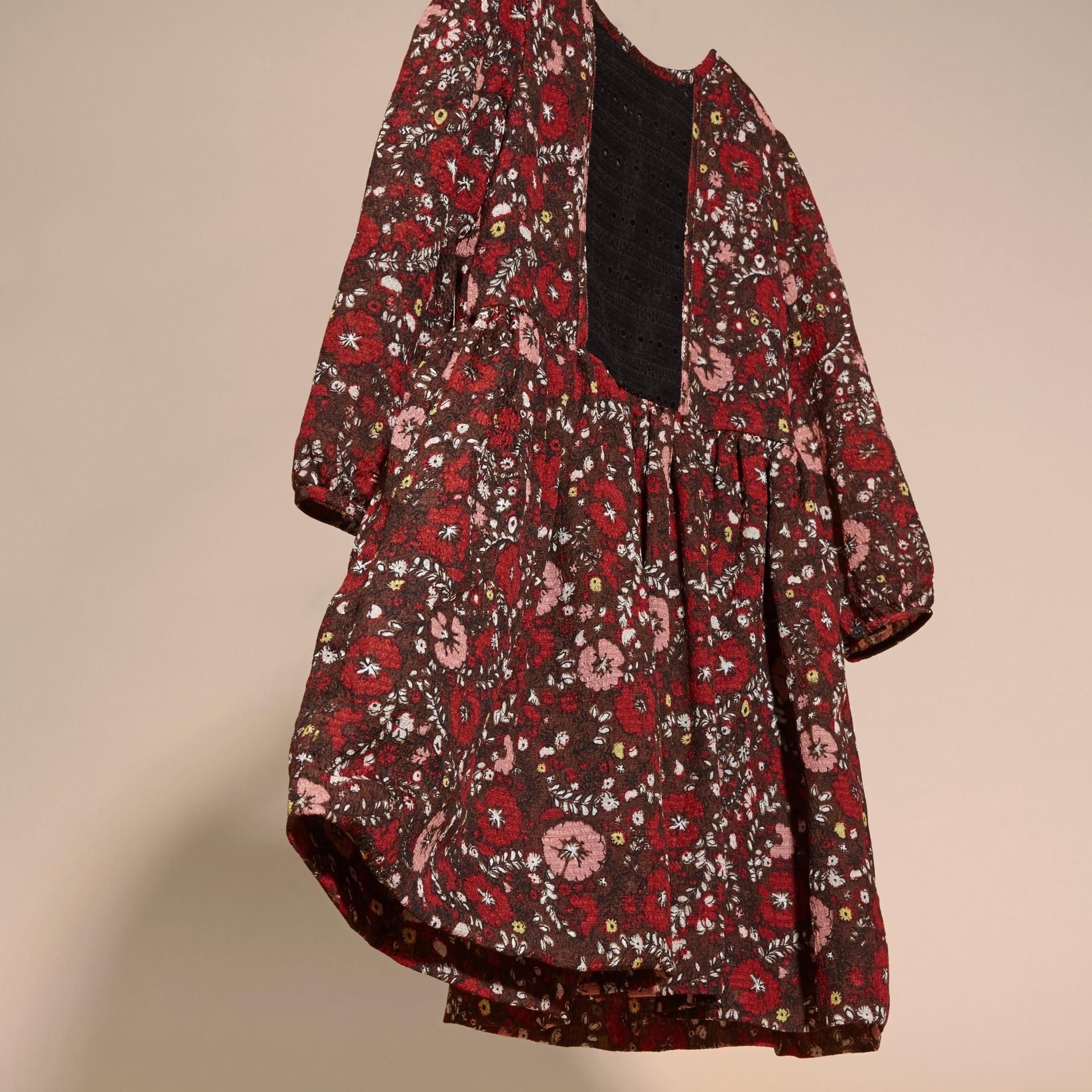 Rouge carmin Robe en soie à imprimé floral - photo de la galerie 3