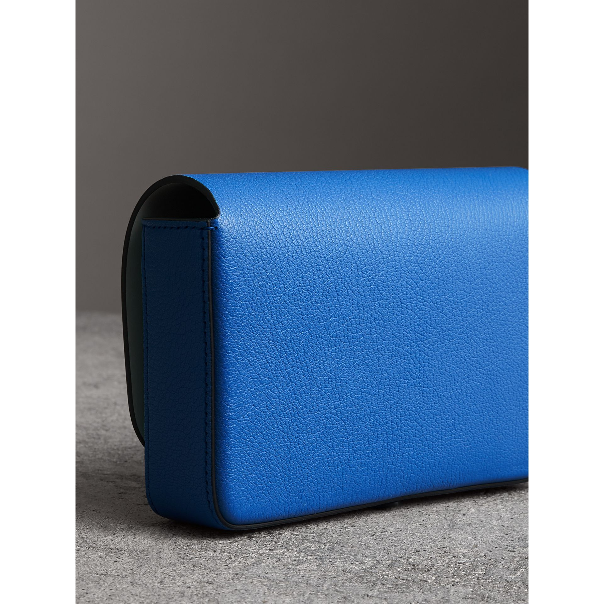 Equestrian Shield Leather Wallet with Detachable Strap in Hydrangea Blue - Women | Burberry Australia - gallery image 4