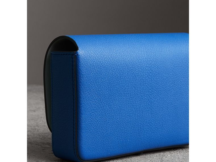 Equestrian Shield Leather Wallet with Detachable Strap in Hydrangea Blue - Women | Burberry - cell image 4