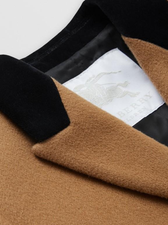 Velvet Collar Cashmere Tailored Coat in Dark Sand | Burberry - cell image 1