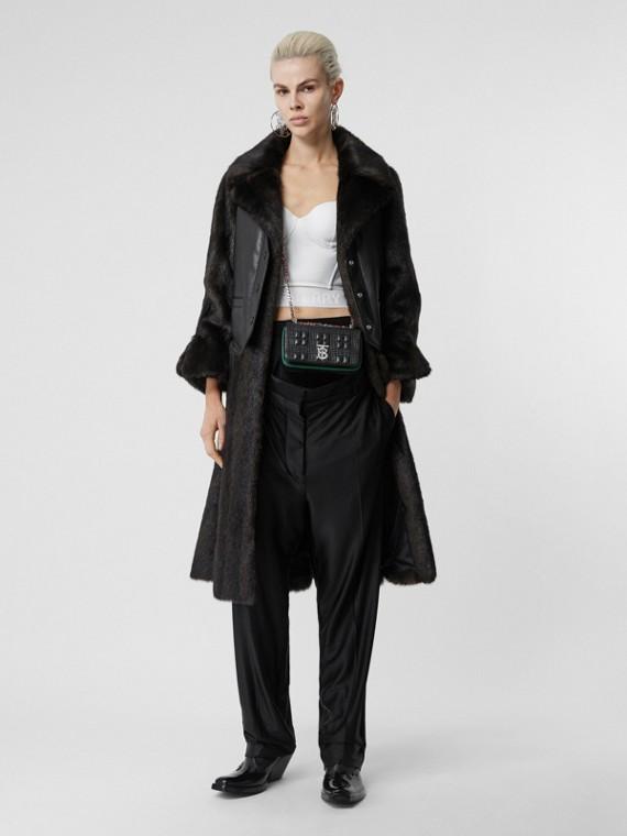 西裝背心細節設計人造皮草大衣 (黑色)