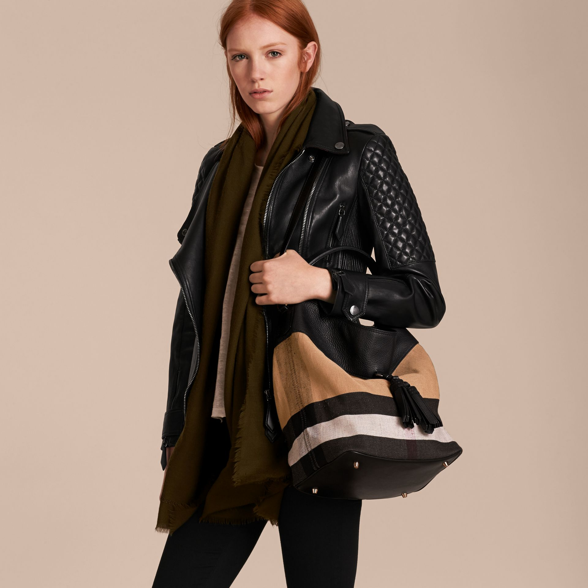 Sac The Ashby medium en toile Canvas check et cuir Noir/noir - photo de la galerie 4