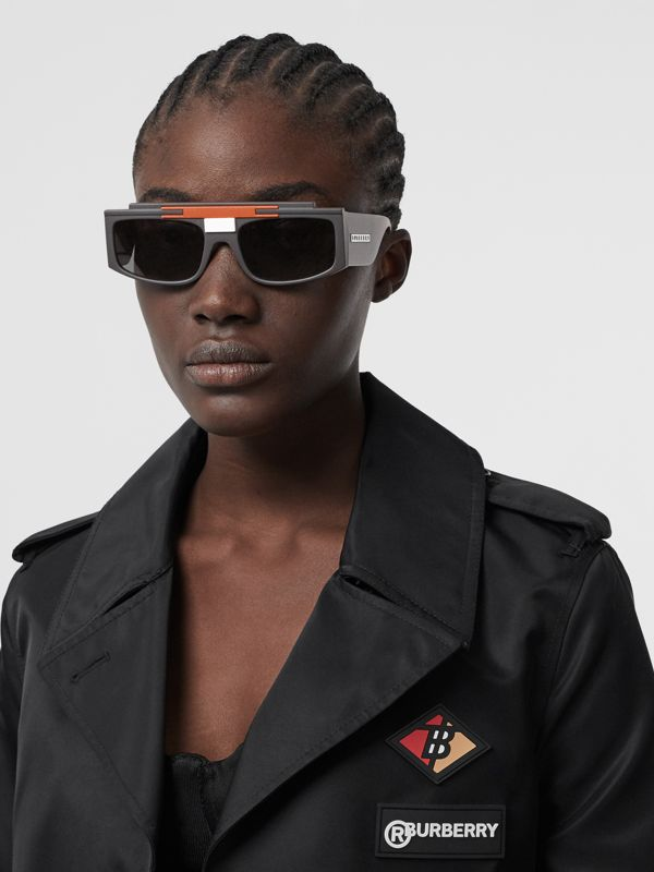 Rectangular Frame Sunglasses in Black - Women | Burberry Canada - cell image 2