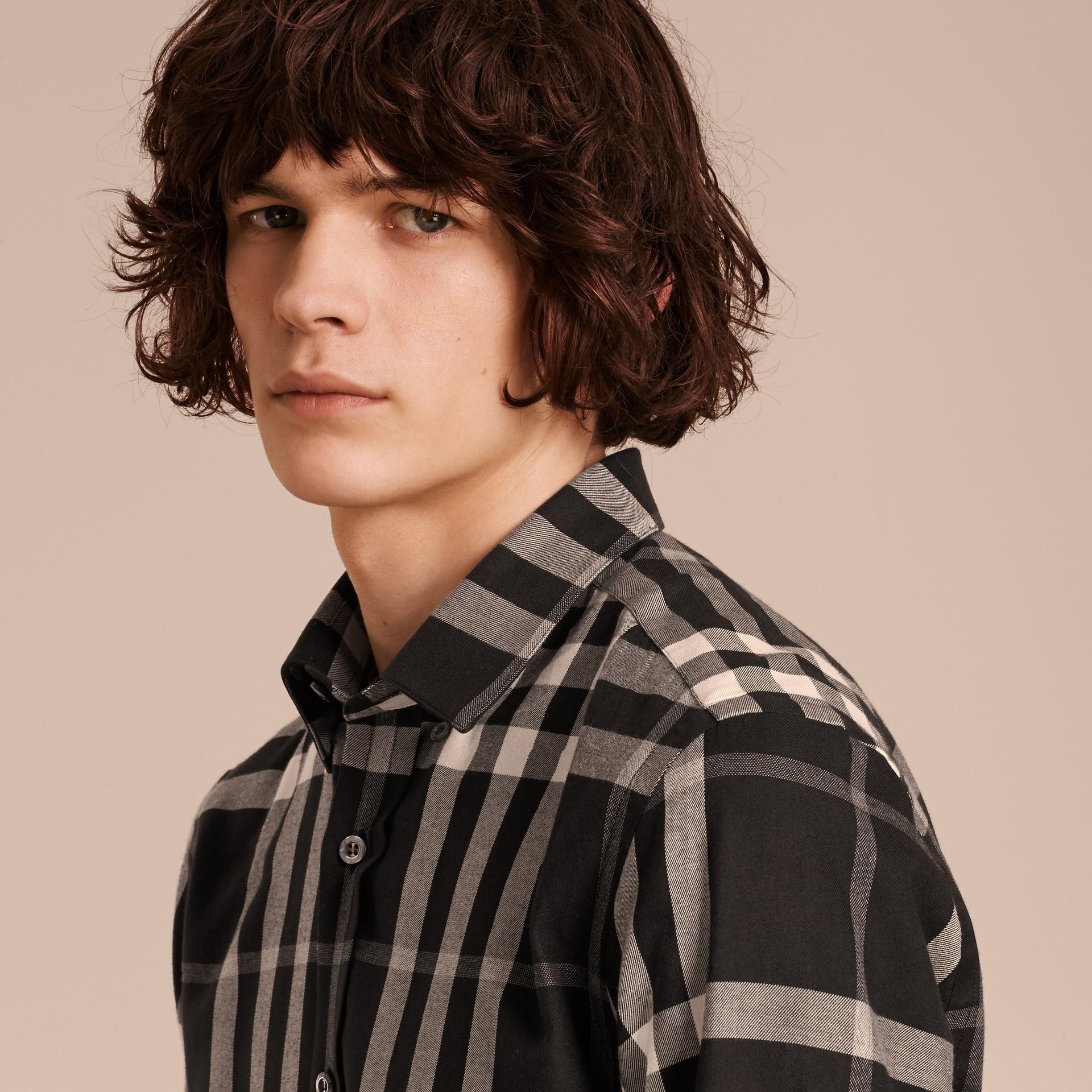 Negro Camisa a cuadros en franela de algodón y cachemir Negro - imagen de la galería 5