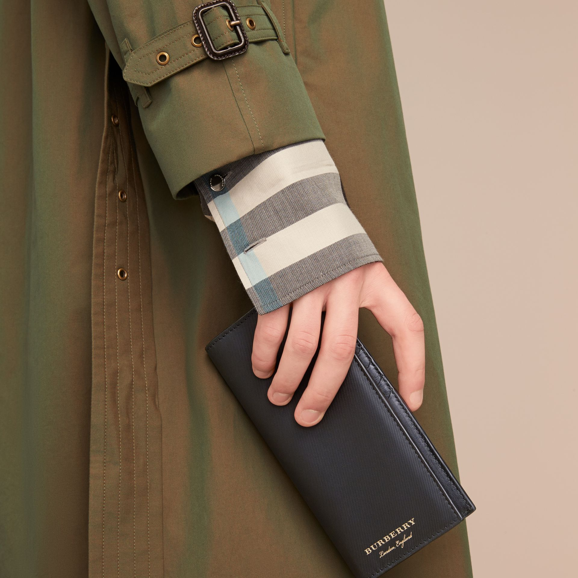 Trench Leather Continental Wallet in Black - Men | Burberry Canada - gallery image 3
