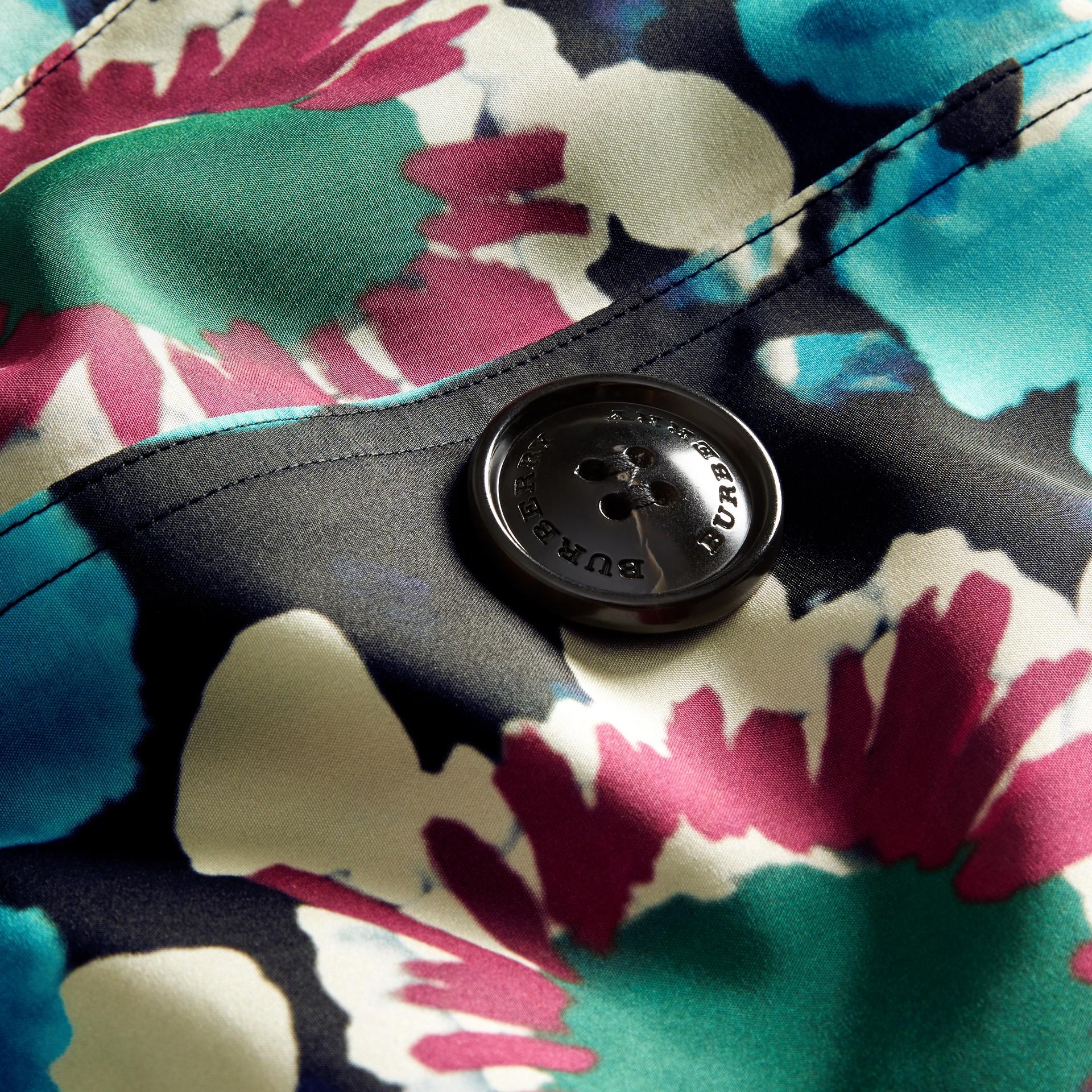 Marine Trench-coat en soie avec imprimé tie and dye - photo de la galerie 2