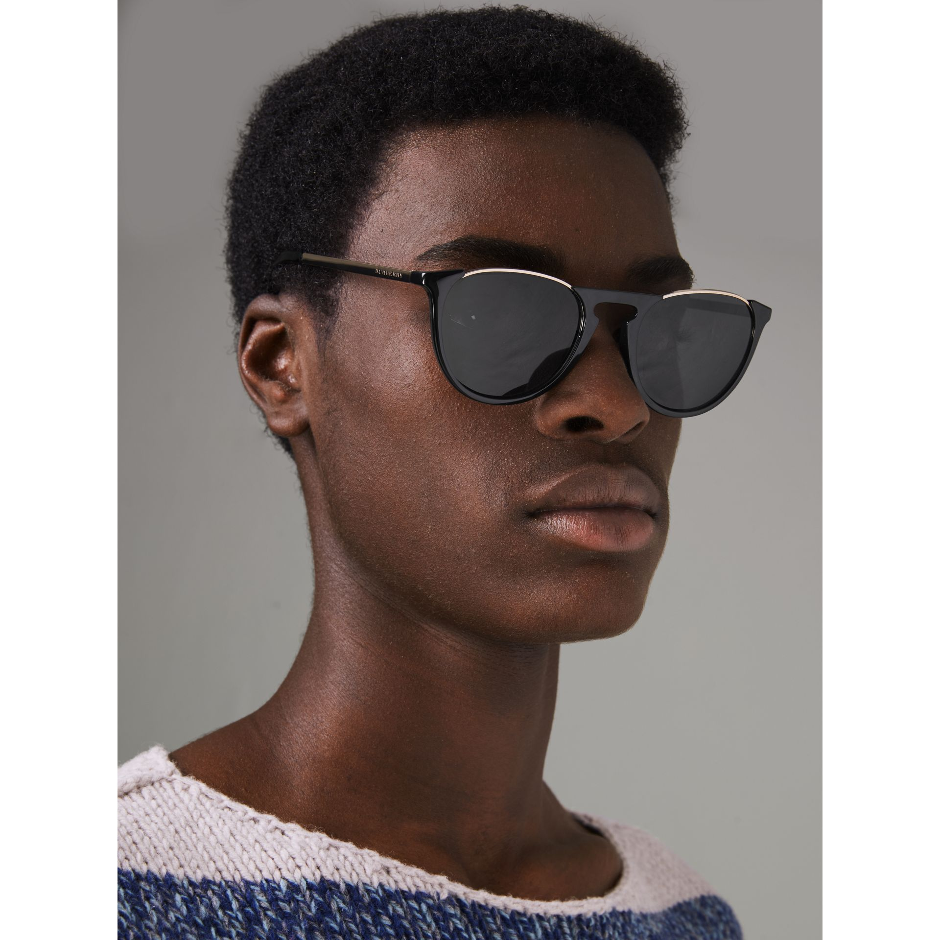 Keyhole Pilot Round Frame Sunglasses in Black - Men | Burberry - gallery image 3