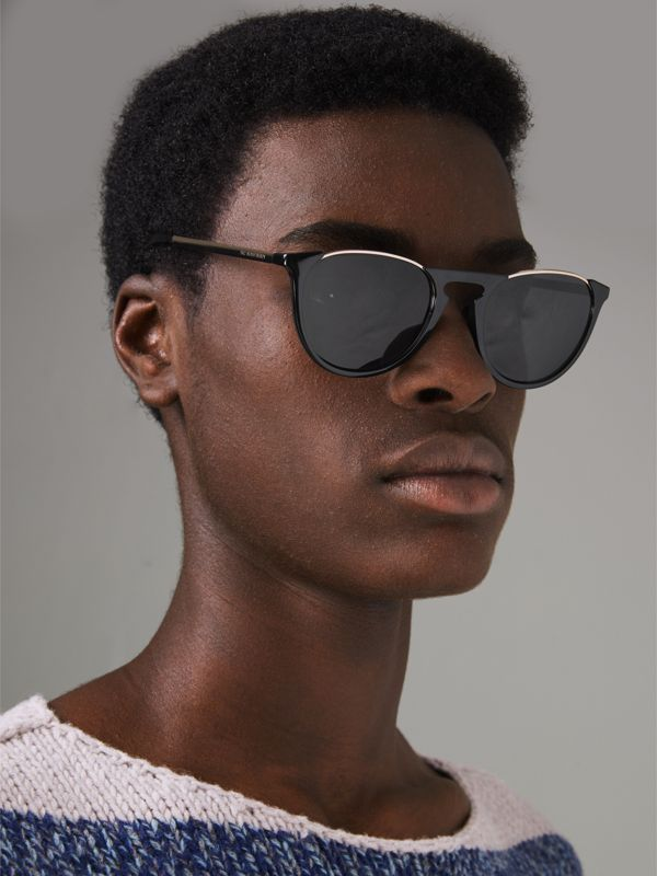 Keyhole Pilot Round Frame Sunglasses in Black - Men | Burberry - cell image 3