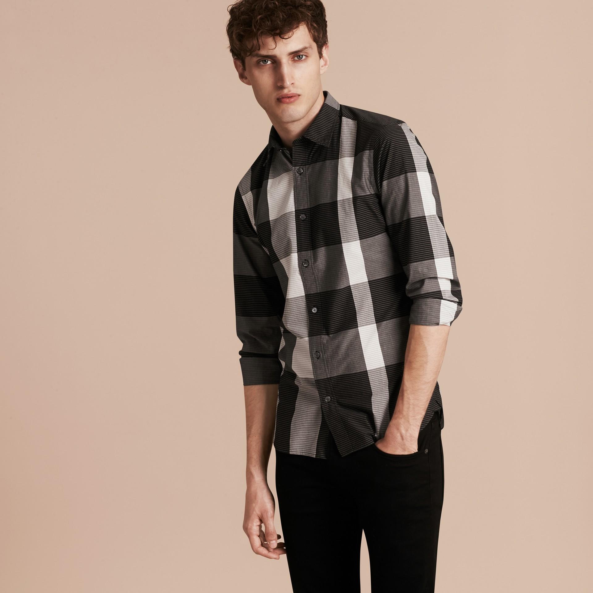 Schwarz Baumwollhemd mit grafischem Check-Muster Schwarz - Galerie-Bild 6