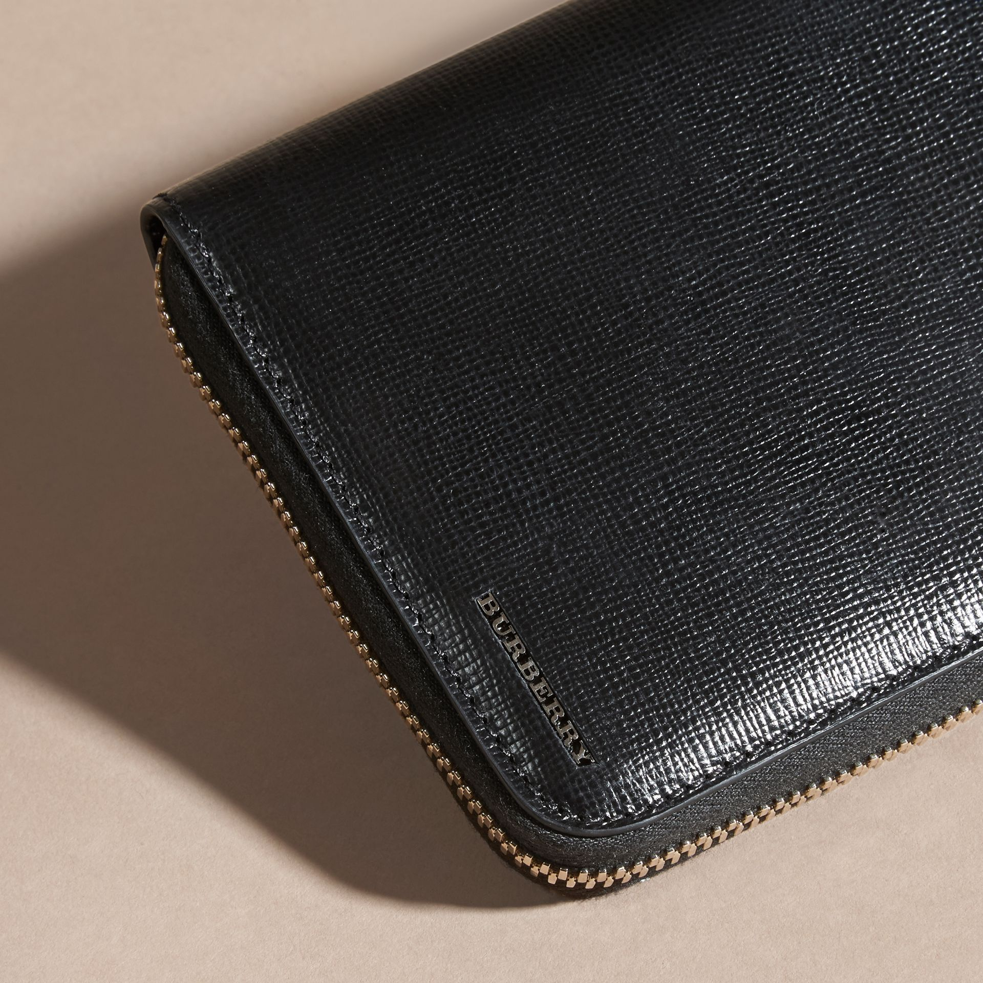 Black London Leather Ziparound Wallet Black - gallery image 4