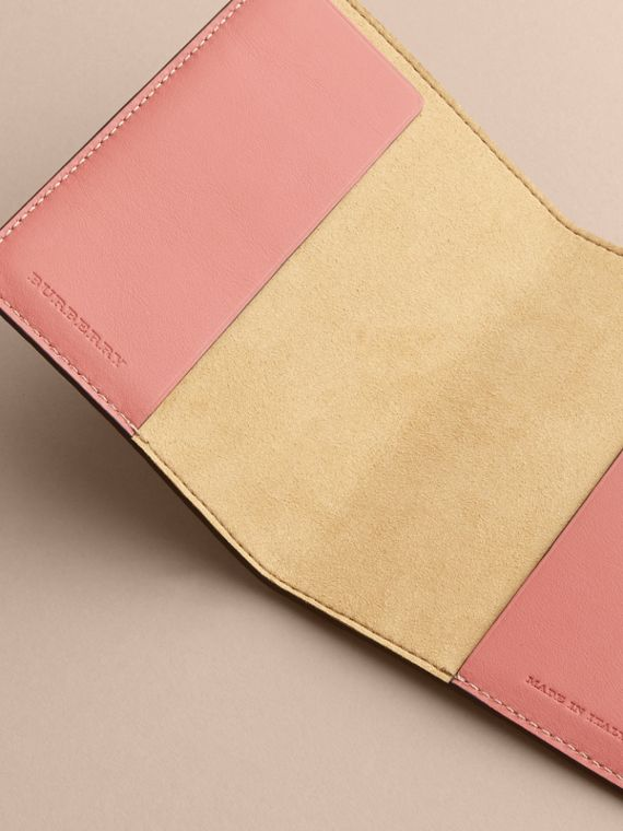 Peony Rose Print Leather Passport Cover in Natural / Emerald Green | Burberry - cell image 3