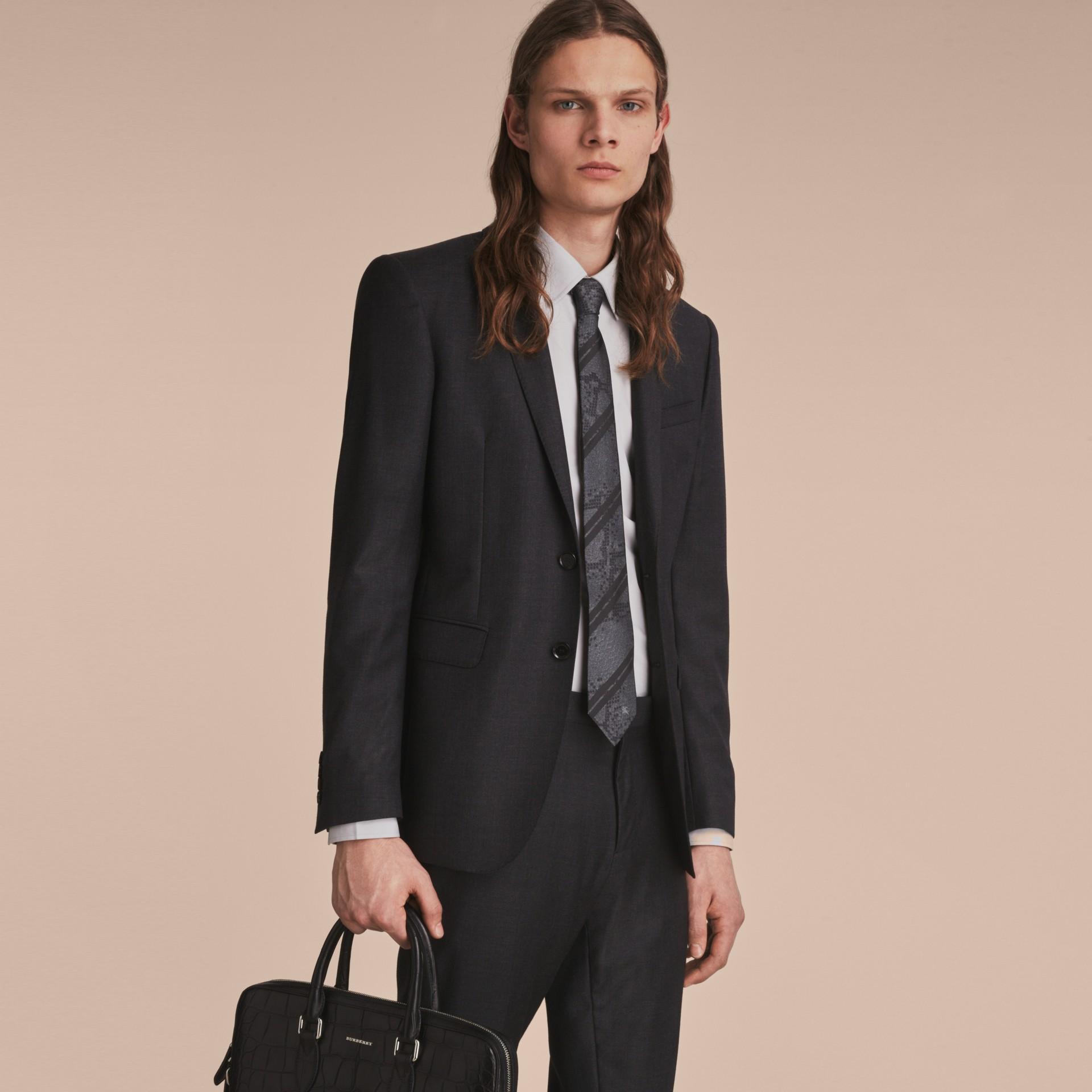 現代剪裁蟒紋提花絲質領帶 (炭灰色) - 圖庫照片 3