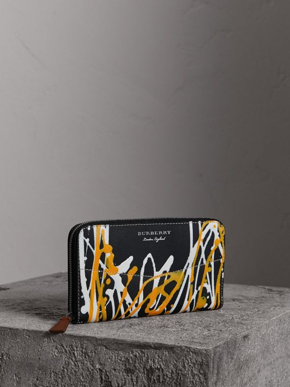 Splash Trench Leather Ziparound Wallet in Black/tan