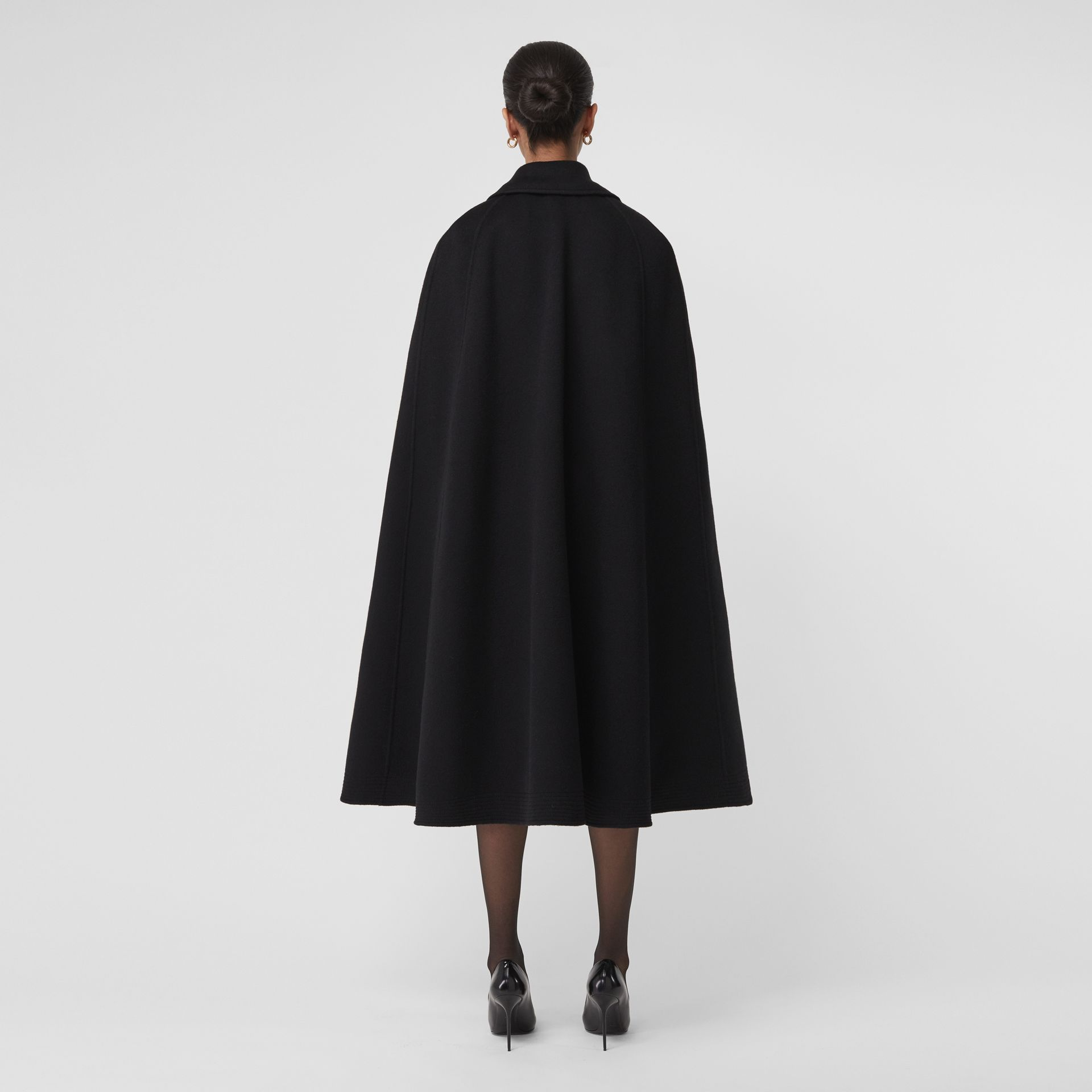 Double-faced Cashmere Belted Cape in Black - Women | Burberry - gallery image 2