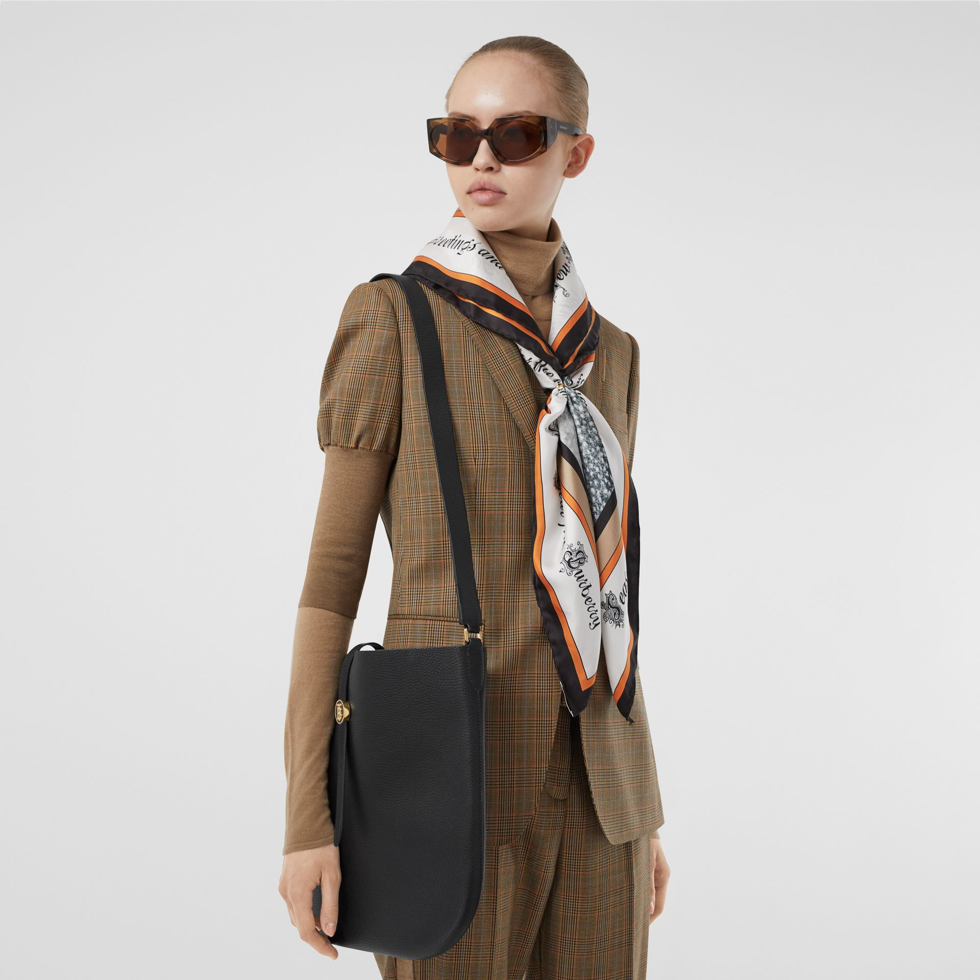 Grainy Leather Anne Bag in Black - Women | Burberry United States - gallery image 2
