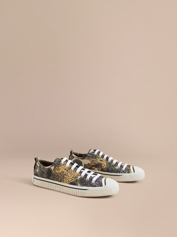 Beasts Print Stretch Cotton Trainers - Men | Burberry Singapore