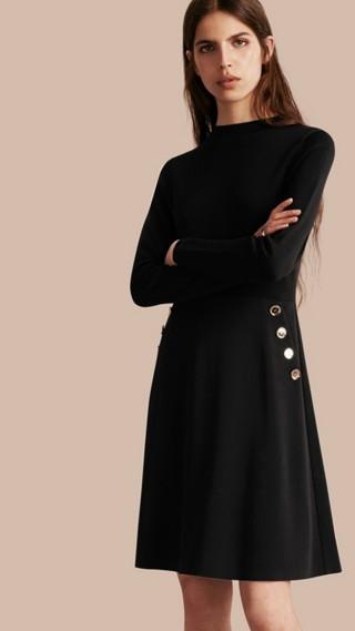 Robe militaire à manches longues en soie et laine