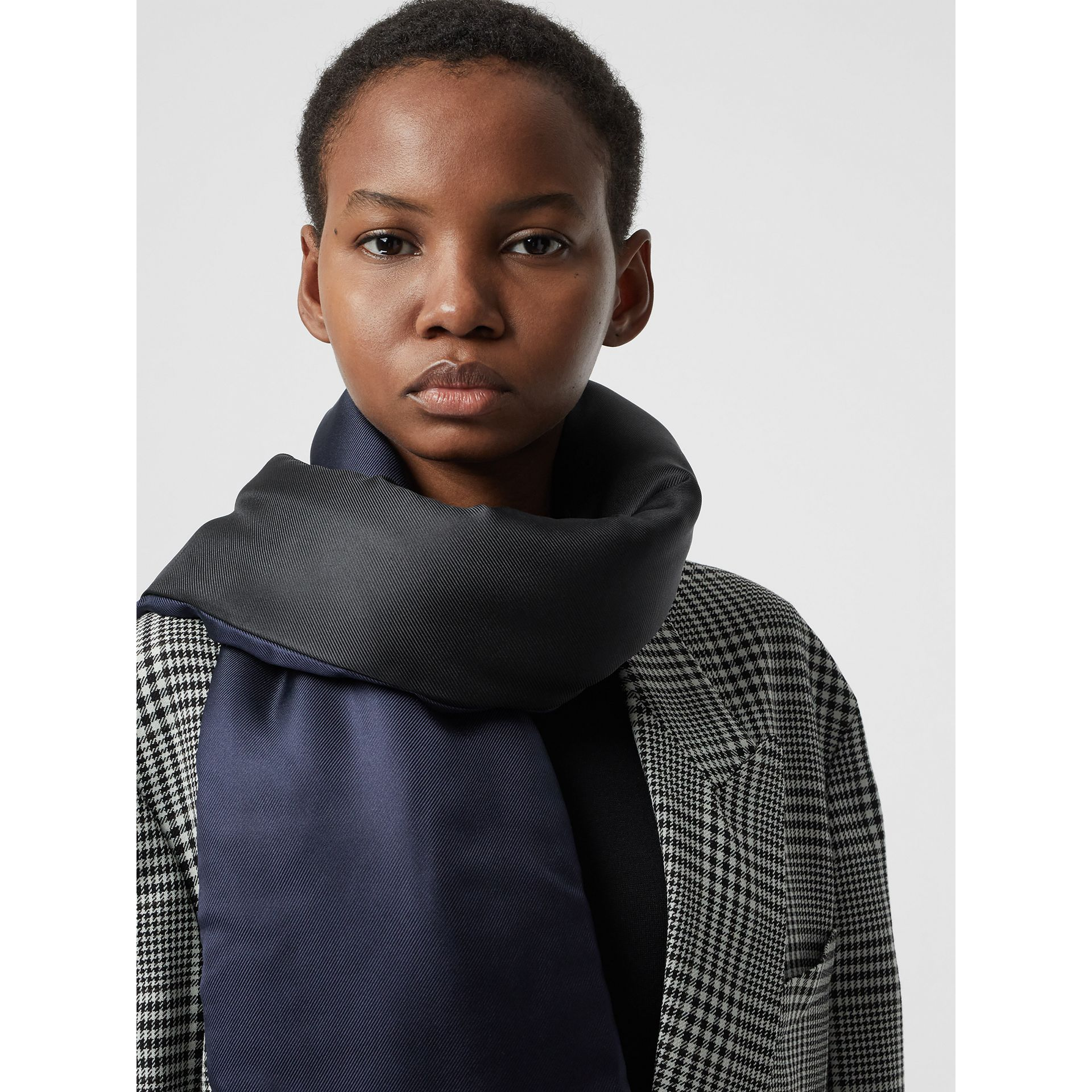 Two-tone Silk Puffer Scarf in Black - Women | Burberry - gallery image 4
