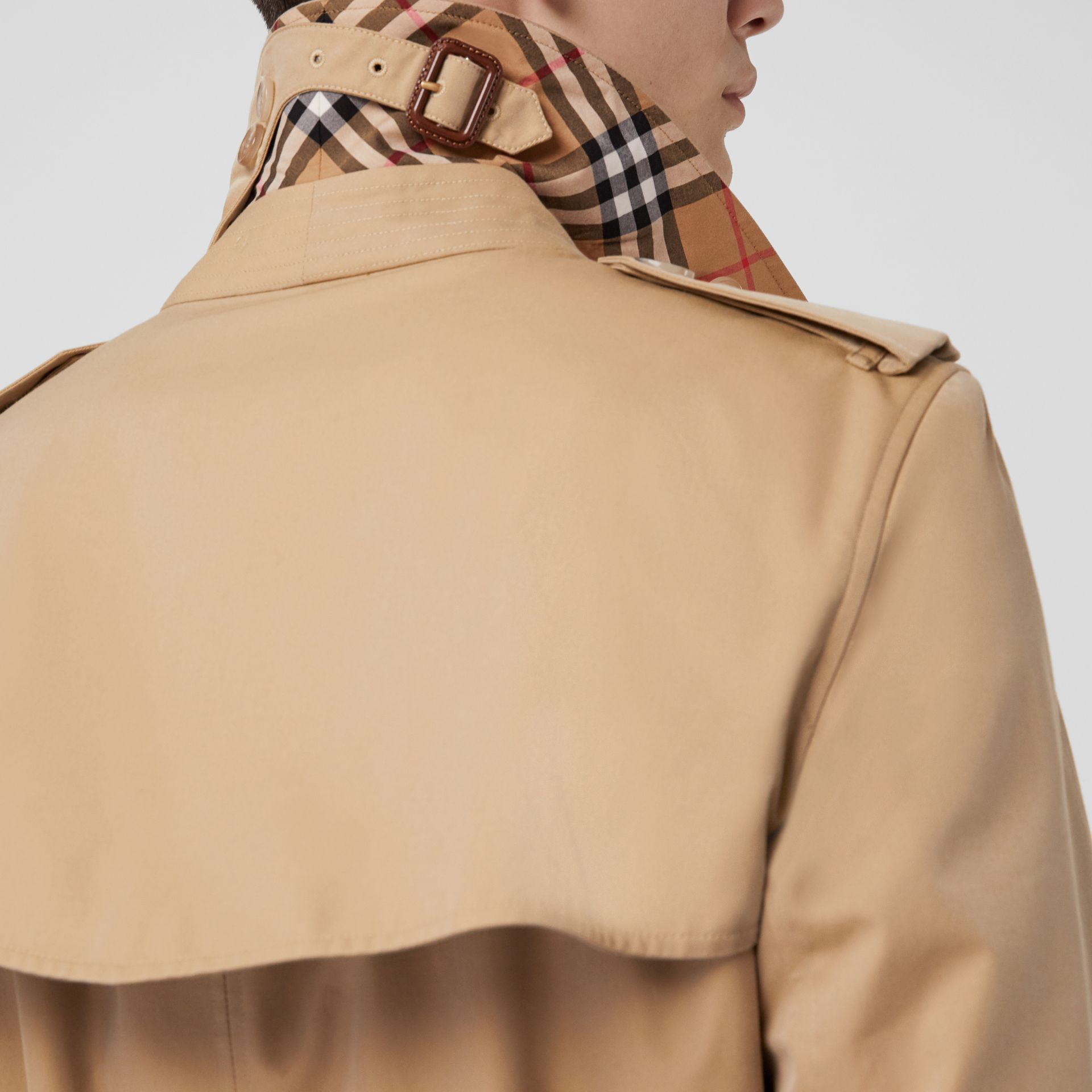 Trench Heritage The Kensington (Miel) - Homme | Burberry - photo de la galerie 1