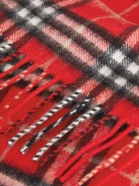 The Mini Classic Vintage Check Cashmere Scarf in Bright Red - Children | Burberry United Kingdom - cell image 1