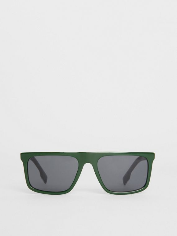 Straight-brow Sunglasses in Green