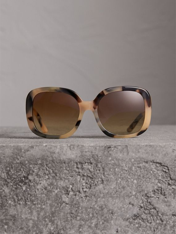 Square Frame Sunglasses in Honey - Women | Burberry Hong Kong - cell image 3