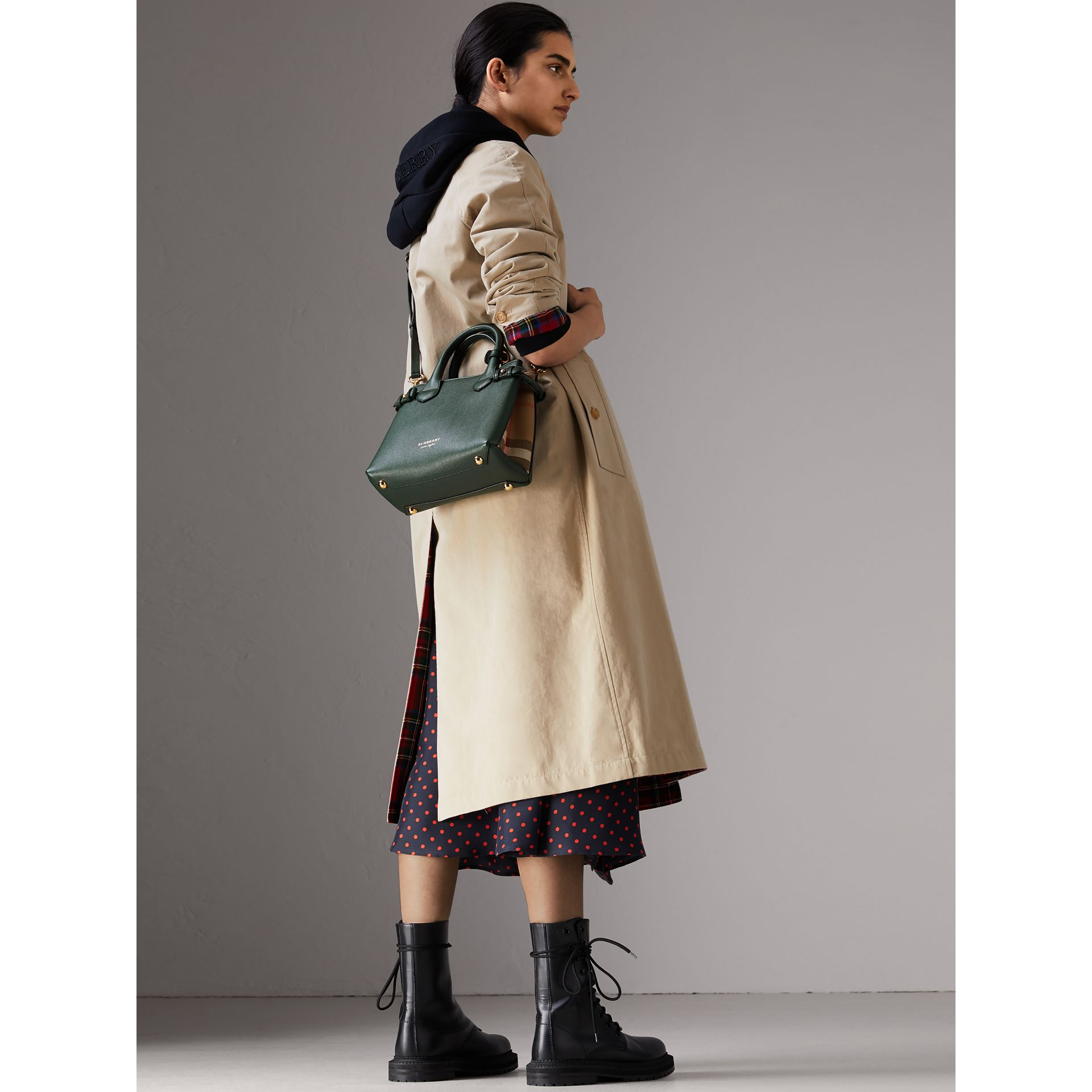 The Small Banner in Leather and House Check in Dark Bottle Green - Women | Burberry Hong Kong - gallery image 2
