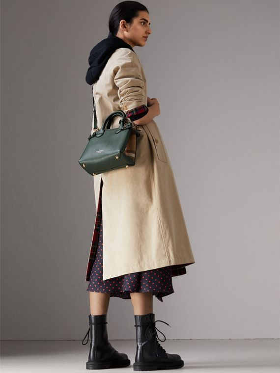 The Small Banner in Leather and House Check in Dark Bottle Green - Women | Burberry Hong Kong - cell image 2