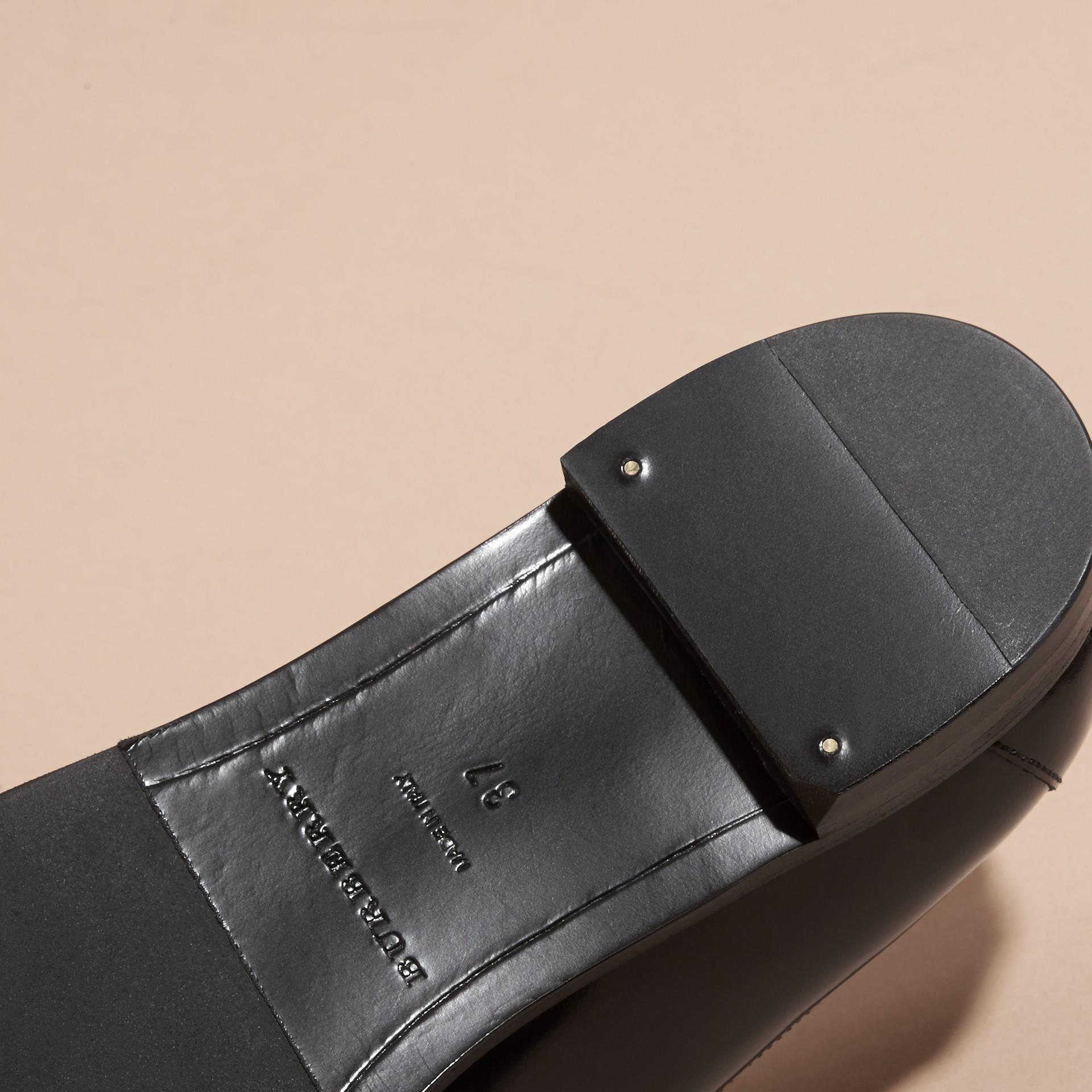 Mocassini in pelle lucida - Donna | Burberry - immagine della galleria 5