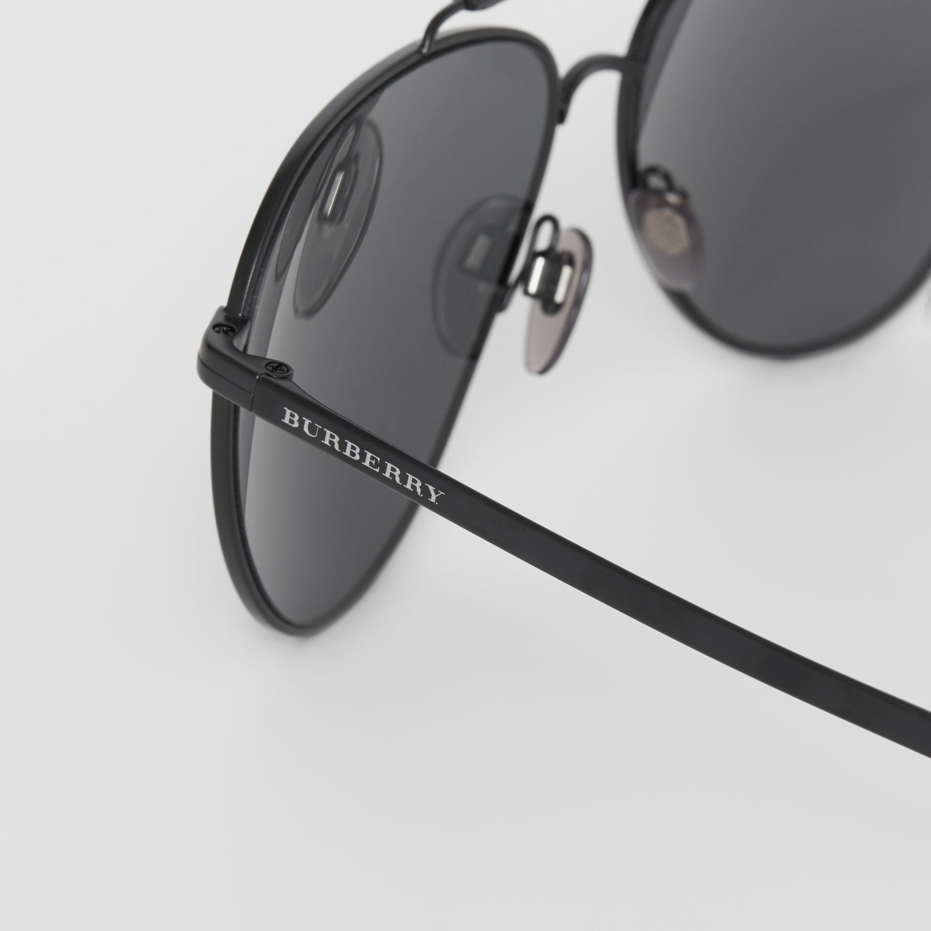 Top Bar Detail Pilot Sunglasses in Black - Men | Burberry - gallery image 1
