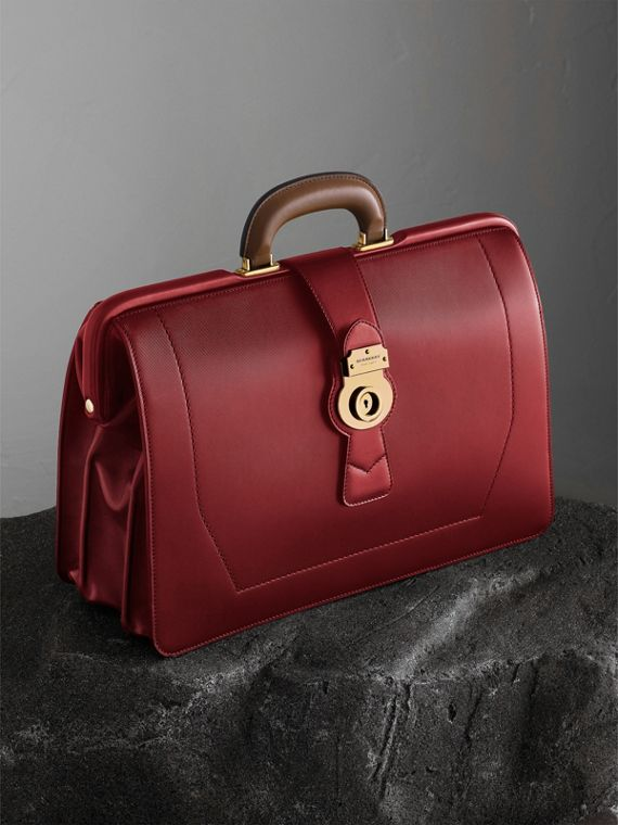 The DK88 Doctor's Bag Antique Red