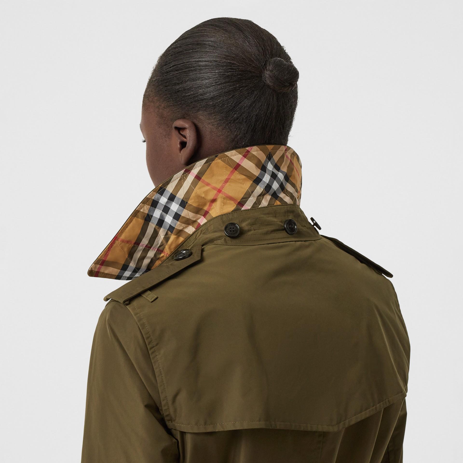 Detachable Hood Shape-memory Taffeta Trench Coat in Khaki - Women   Burberry United Kingdom - gallery image 5