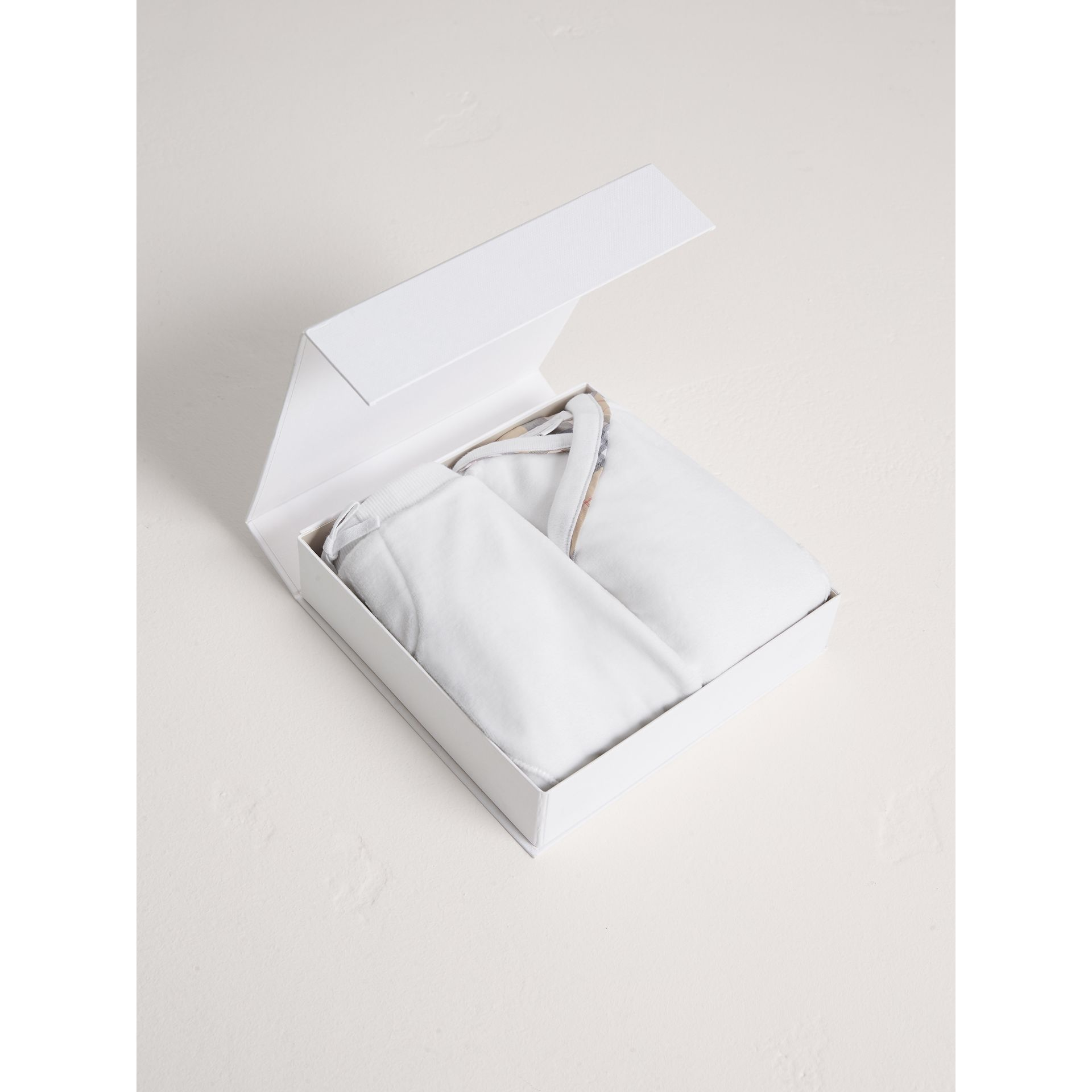 Stretch Jersey Two-piece Baby Gift Set in White | Burberry - gallery image 3