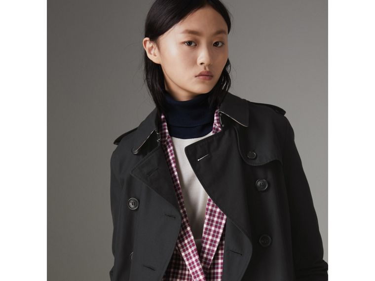 The Kensington Heritage Trench Coat in Midnight - Women | Burberry - cell image 4