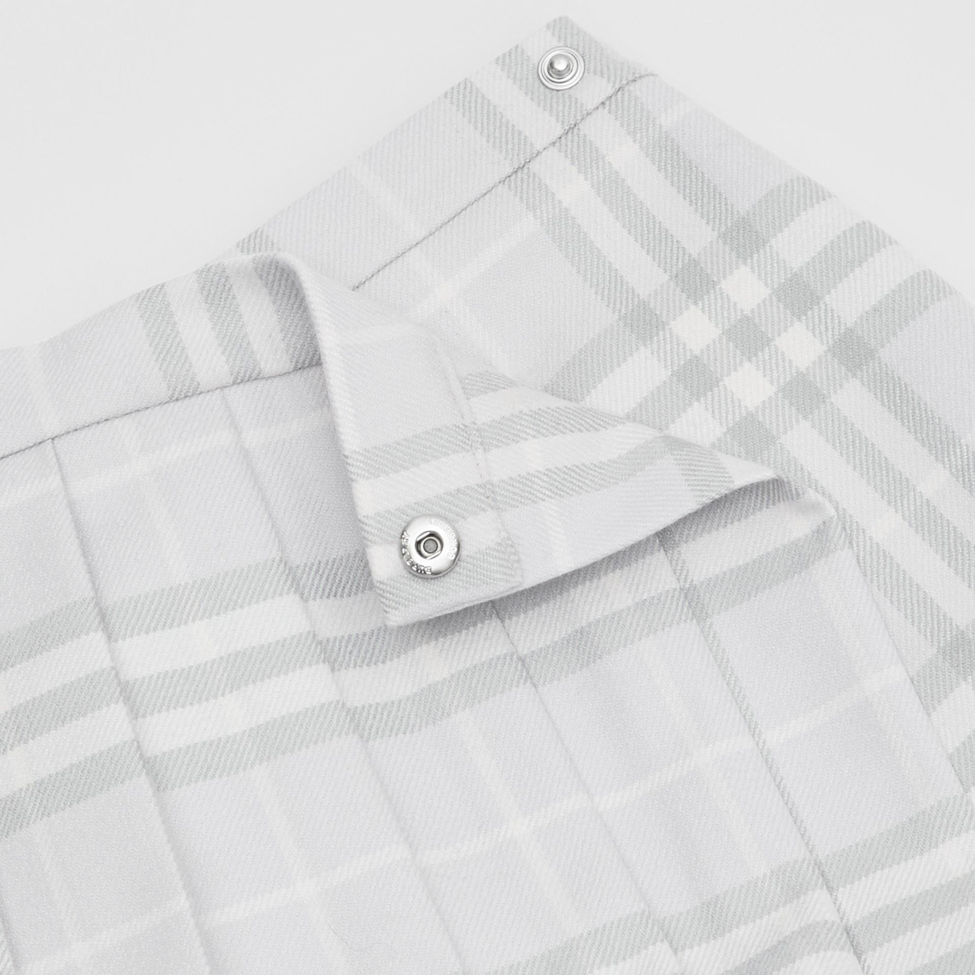 ヴィンテージチェック ウール プリーツラップスカート (ペールグレー) - チルドレンズ   バーバリー - ギャラリーイメージ 1