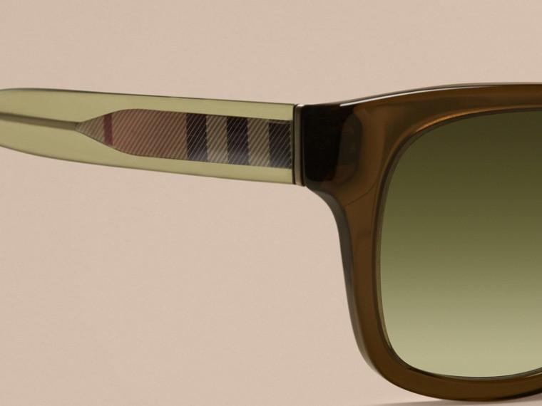 Olivfarben Sonnenbrille mit eckigem Gestell und Check-Detail Olivfarben - cell image 1