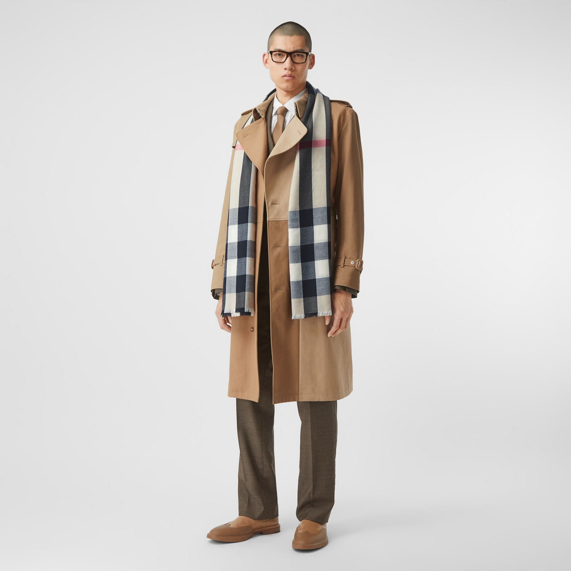 Lightweight Check Cashmere Scarf in Archive Beige | Burberry Hong Kong S.A.R - gallery image 7