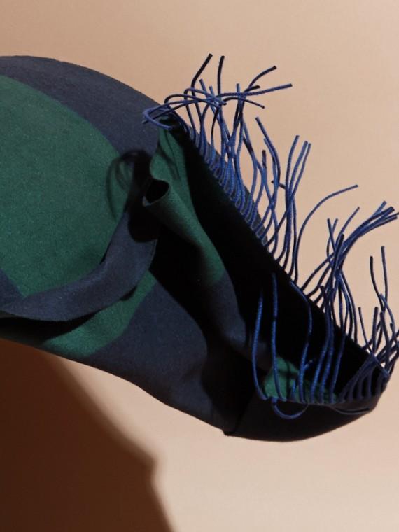 Verde foresta scuro Sciarpa oversize in cashmere a righe Verde Foresta Scuro - cell image 3