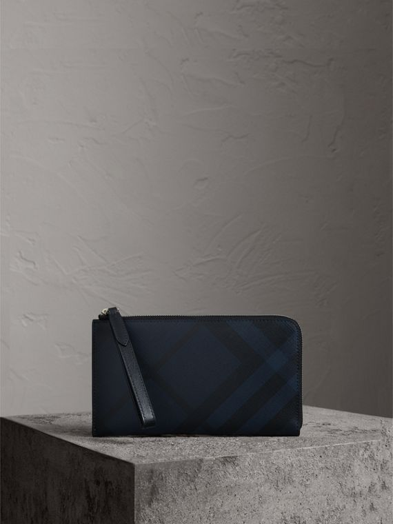 London Check Travel Wallet in Navy/black
