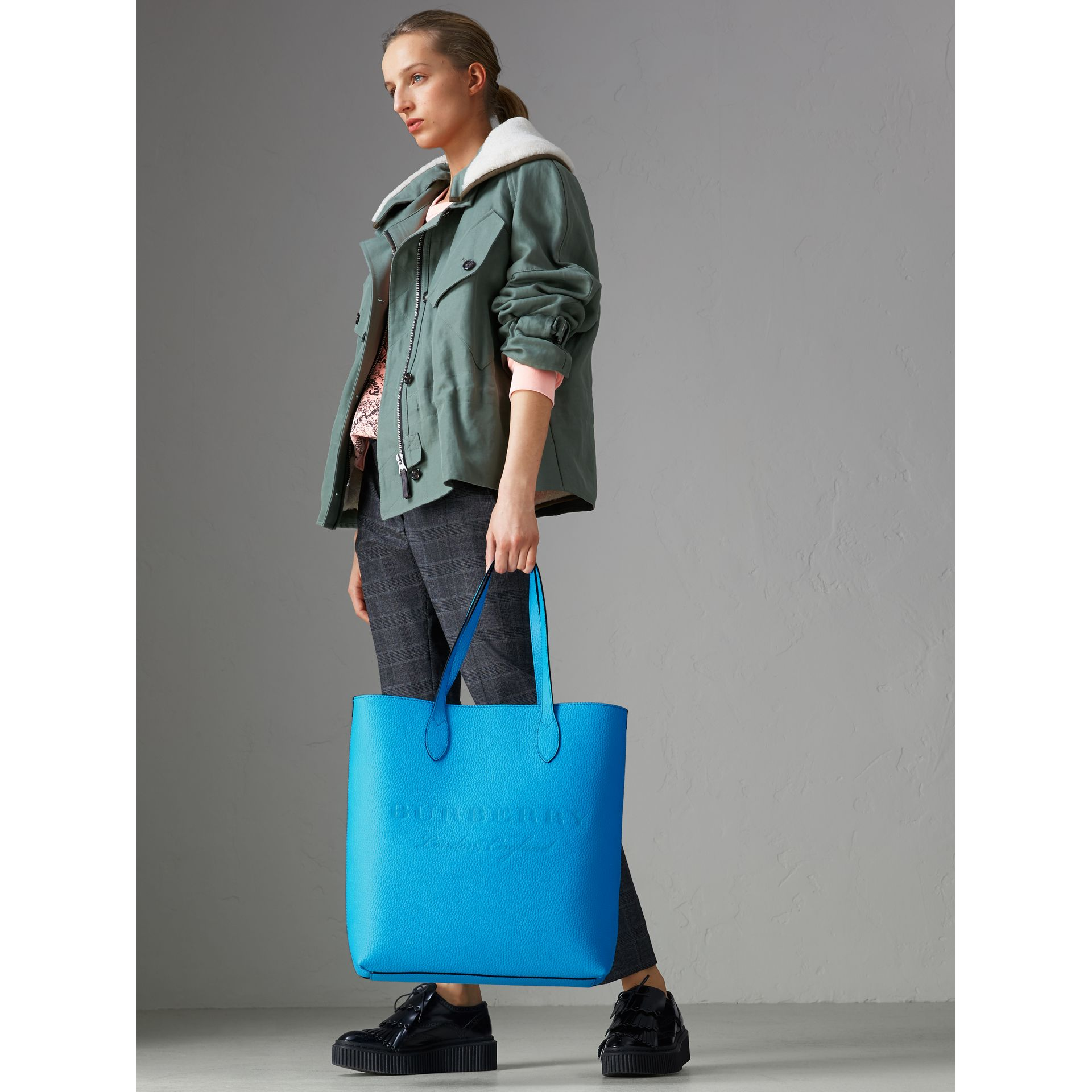 Embossed Leather Tote in Neon Blue | Burberry Australia - gallery image 2