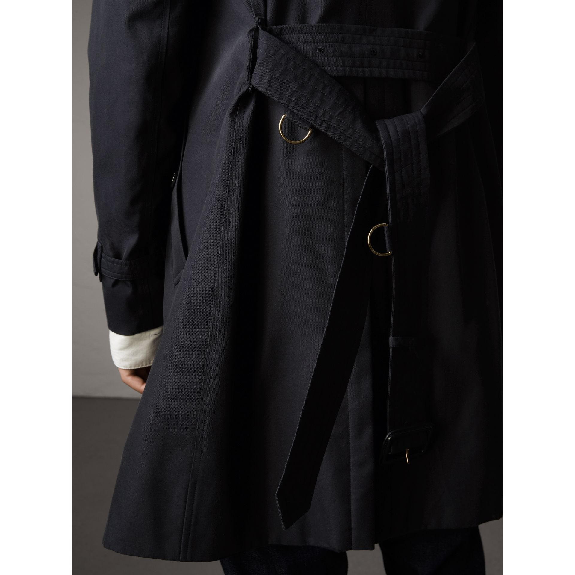 The Sandringham – Long Trench Coat in Navy - Men | Burberry United Kingdom - gallery image 4