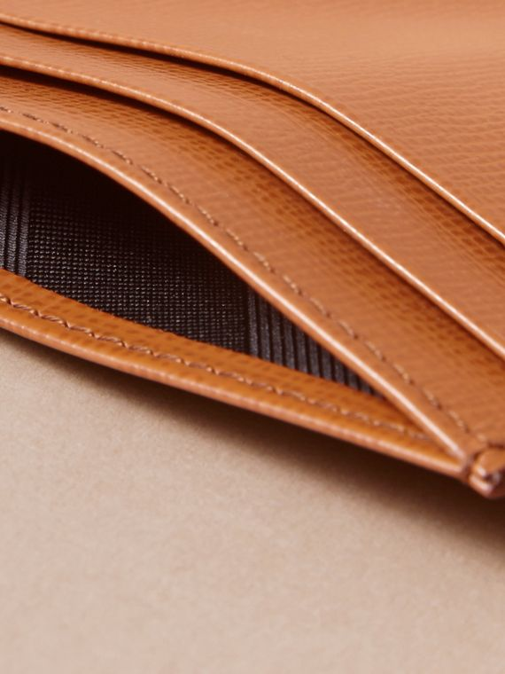 London Leather Card Case in Tan | Burberry Hong Kong - cell image 3